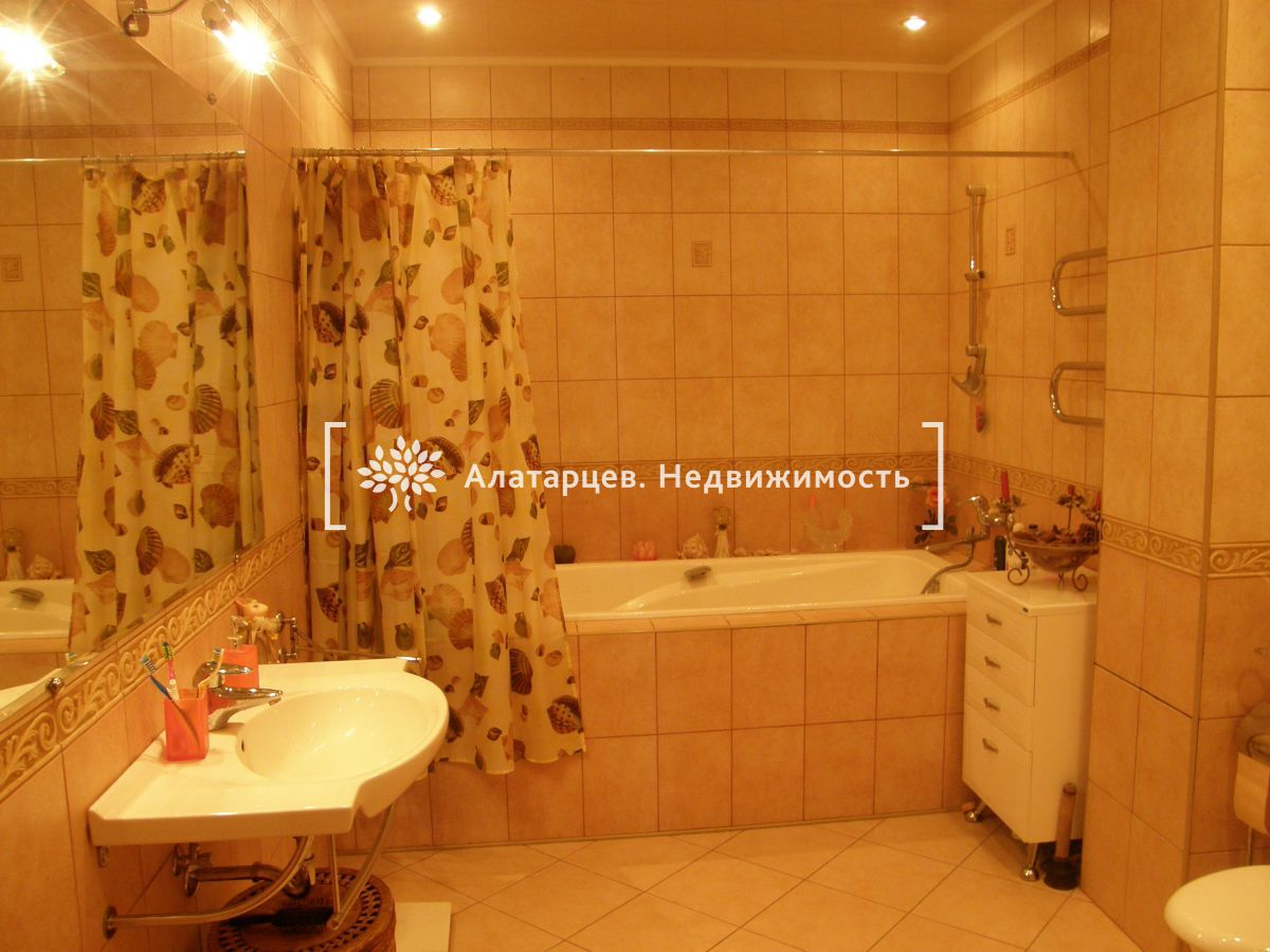Квартира на продажу по адресу Россия, Томская область, Томск, Белинского ул, 42
